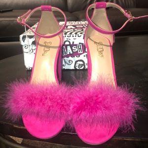 Brash Shoes - Pinky fuzzy pumps!